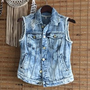 ✨NWT ✨ ROMEO + JULIETTE COTURE •Denim Vest•